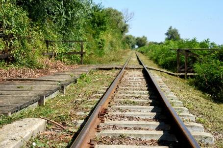 Aiguillage et formation rail en chemin pour les enfants