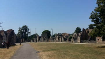 C'est terrible de voir les restes de ce village.