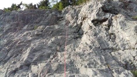 Puisque la journée n'a pas été suiffisament fatigante, petite séance de grimpe sur le Spot Night du soir à Leysin toujours en Suisse.