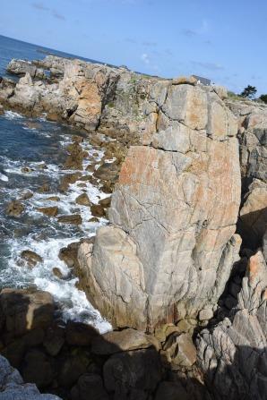 Petite pause midi sur les rochers du Croisic.